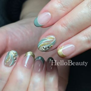 Nail art recommended for adults and girls.